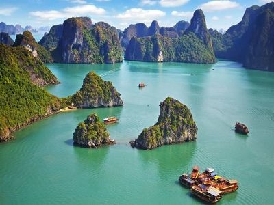 Hang Out In Halong Bay