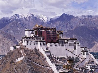 Marvel At The Palaces Of Lhasa