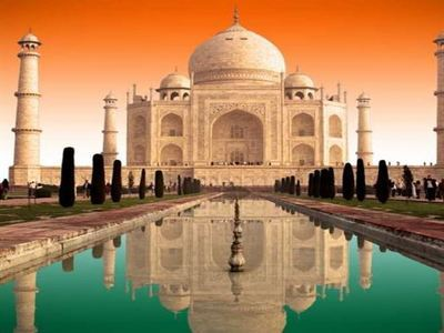 Take In The Taj Mahal