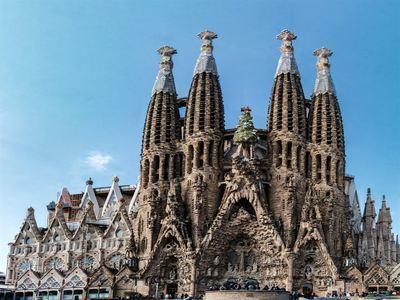 Visit Gaudis Sagrada Familia