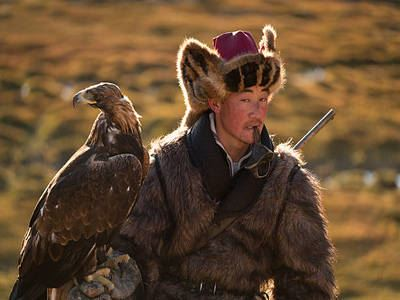 Watch Eagles Hunt In The Altai Mountains